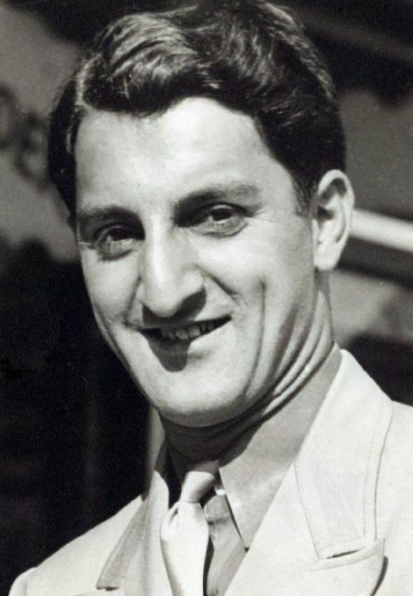 Amos Jacobs